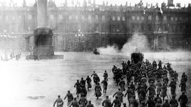 storming of winter palace